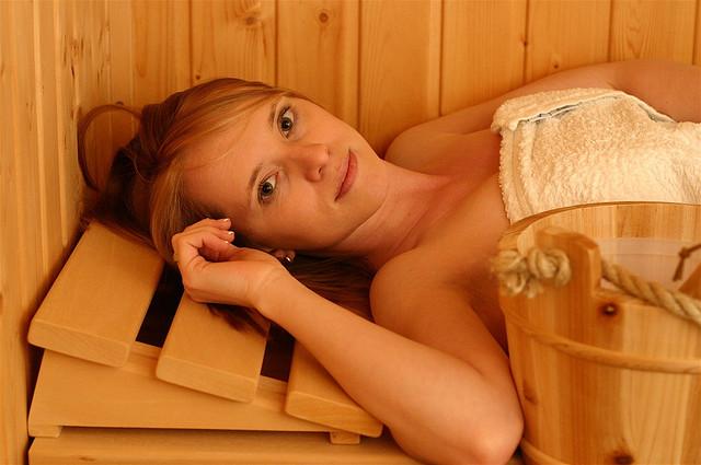 Свойства бань: польза и вред для организма человека