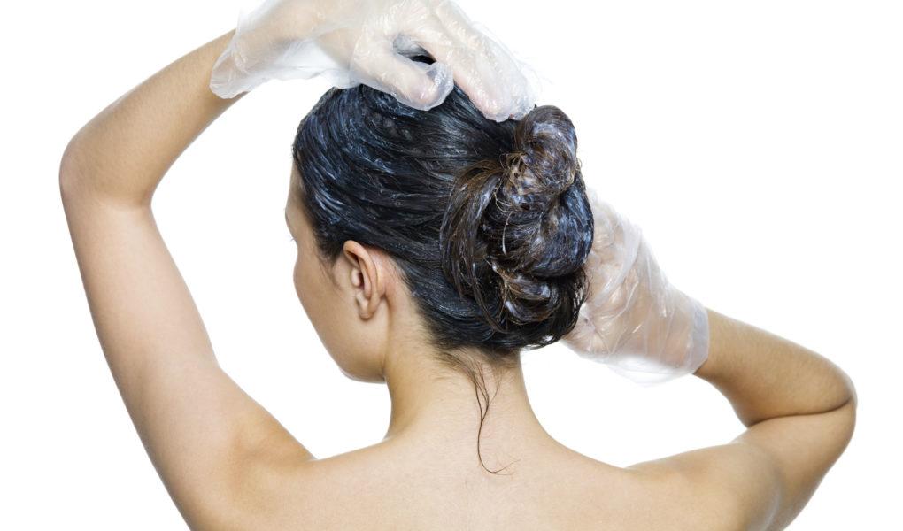 Как устранить сухость и ломкость волос с применением домашних рецептов