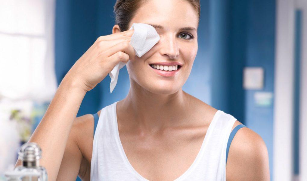 Как снять макияж с лица и позволить ему отдохнуть