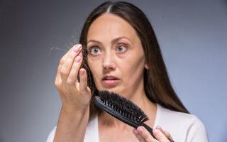 Как уменьшить выпадение волос при менопаузе